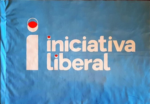 bandeira iniciativa liberal